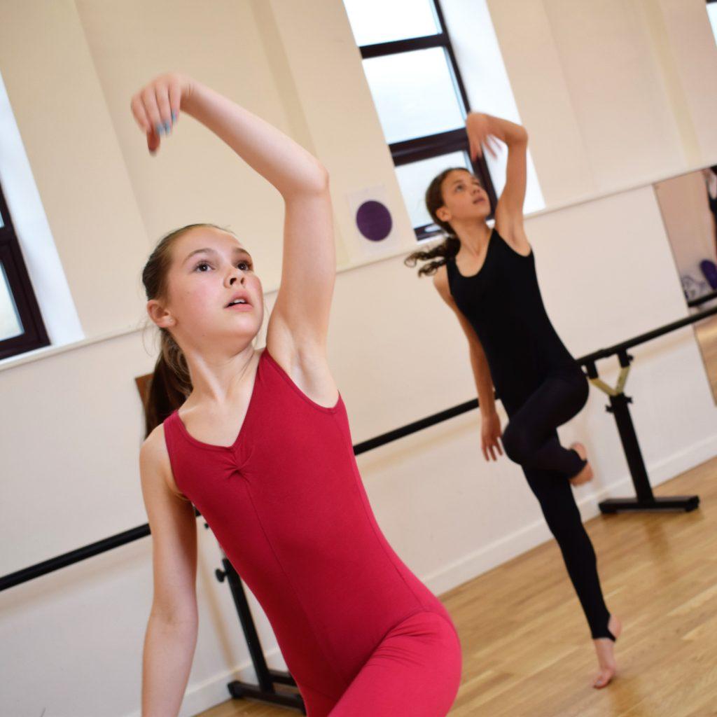ISTD Modern Theatre Dance classes at SK Dance Studio Wigan