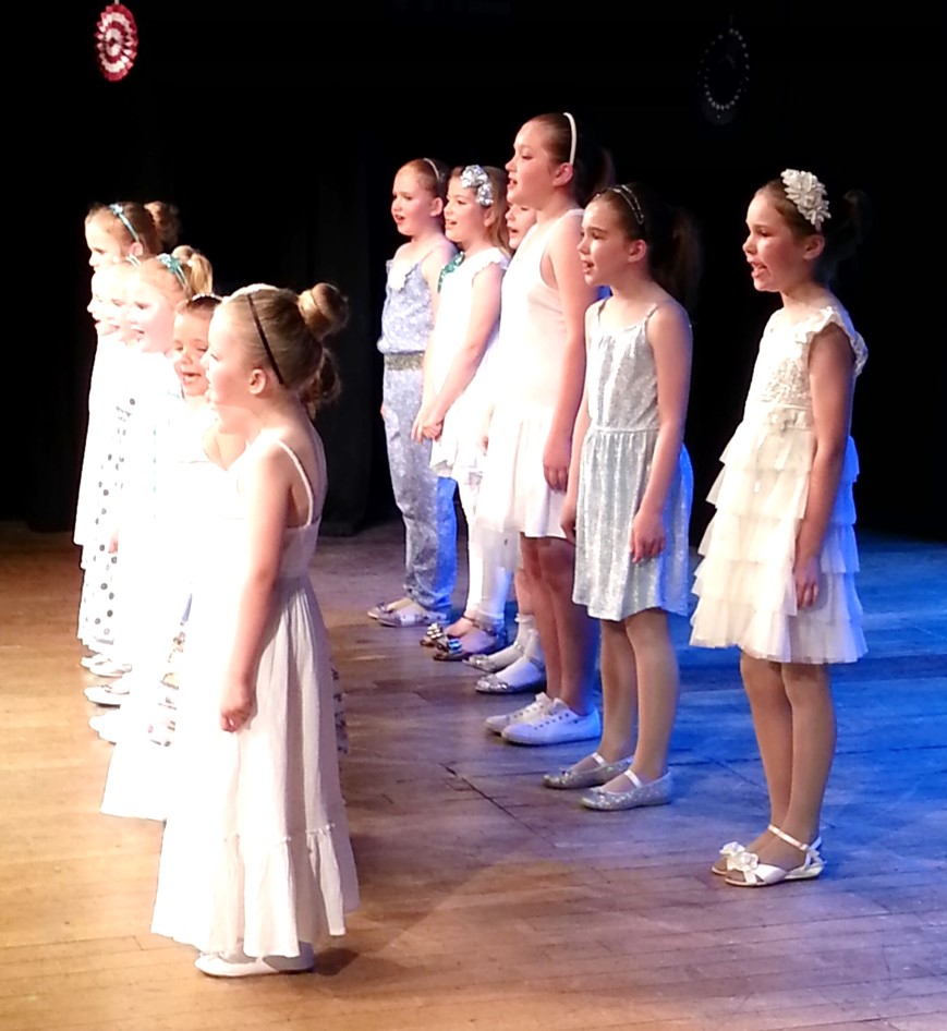 SK Dance Studio Glee Club Sing Let it Go