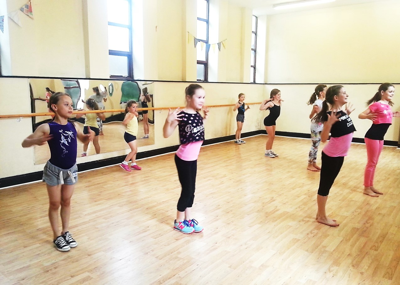 Street Dance Class for Primary School Aged Kids at SK Dance Studio Wigan