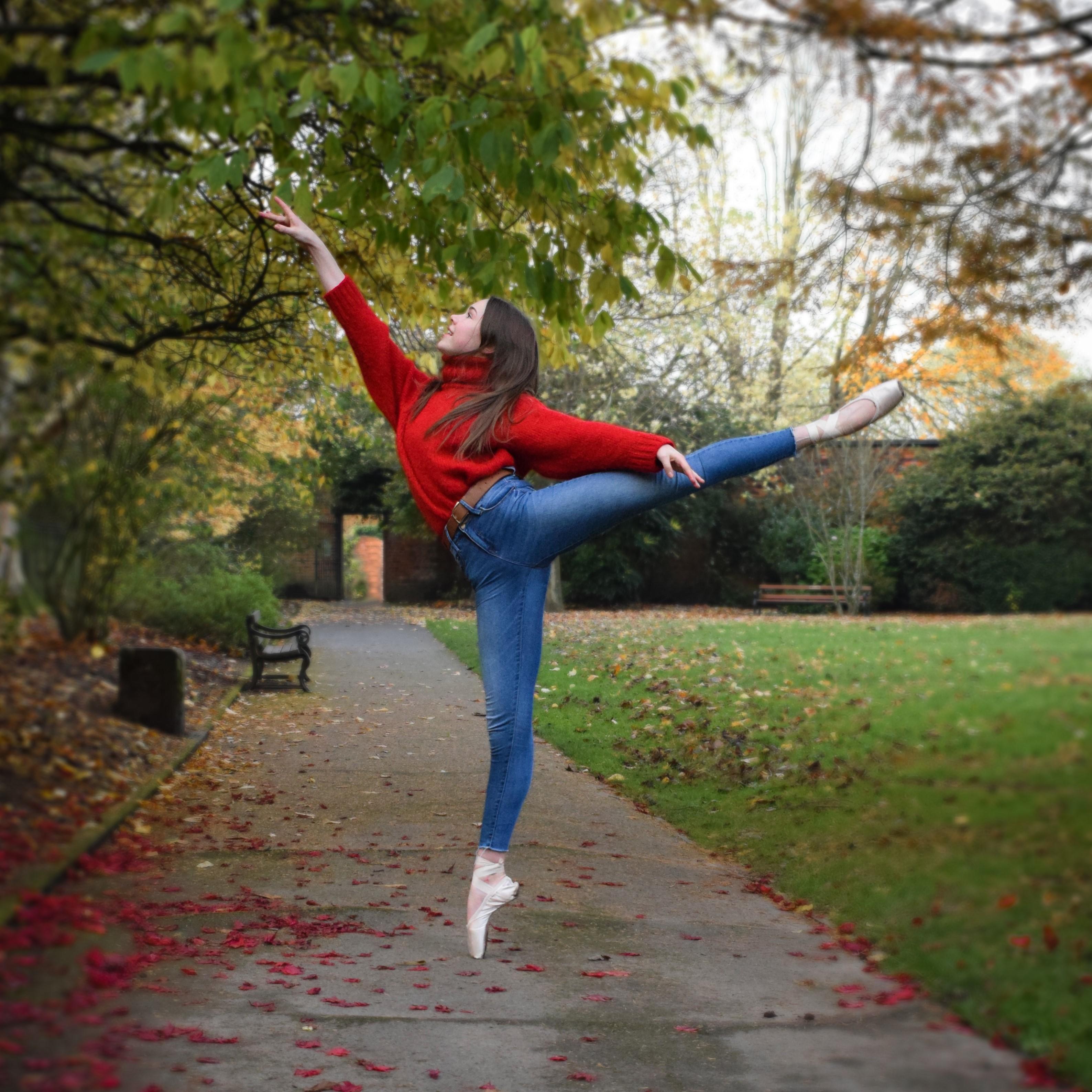 @violetmaedancer arabesque